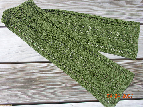 Column of Leaves Scarf 2