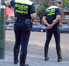 Policia municipal de Madrid (Oscar in the middle) Tags: madrid police cop local policia municipal