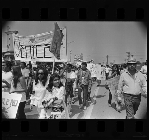 chicano movement essay The chicano movement of the 1960s, also called the chicano civil rights movement or el movimiento, was a civil rights movement extending the mexican-american civil.