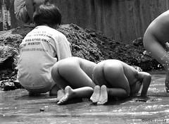 innocence (jobarracuda) Tags: kids children lumix avenida streetkids streetchildren fz50 panasoniclumix dmcfz50 jobarracuda