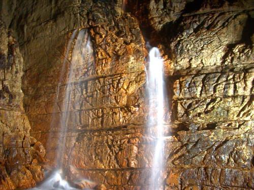 Le cascate nelle grotte di Stiffe