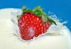 Strawberry kiss (filippo rome) Tags: fruit strawberry splash