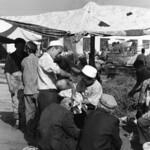 Barbier au marché de Kashgar thumbnail