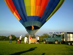 IMAG0218 (yxxxx2003) Tags: new blue red hot green air baloon ballon balloon milton keynes mk yello 2007 balon olney hotairballon yxxxx