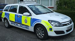 British Transport Police - Vauxhall Astra Estate at Inverness Scotland [EXPLORED] (conner395) Tags: car scotland alba police railway escocia policecar scotia polizei szkocja caledonia policia conner inverness esccia schottland polis btp schotland polizia ecosse politi politie scozia transportpolice policja skottland poliisi politsei policie skotlanti polisi skotland policija  britishtransportpolice i500   polisie ukpolice politia  railwaypolice invernesscity daveconner conner395 cityofinverness  davidconner daveconnerinverness daveconnerinvernessscotland burghofinverness