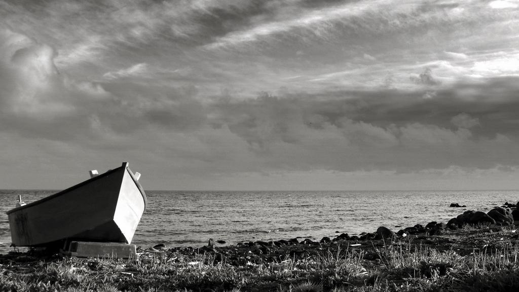 boat in land (VI) / barco em terra (VI)
