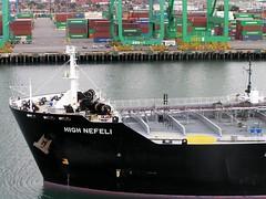 Port of Los Angeles - San Pedro (Chris&Steve) Tags: california usa losangeles marine ship vessel maritime bow nautical shipping sanpedro 2007 oiltanker bulkcarrier portoflosangeles v600i bulbousbow mainchannel 10millionphotos highnefeli