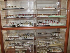 Merchant Ship Models 1/1250 Scale (Mr.TinDC) Tags: ships titanic cunard whitestar diecast liners displaycases steamships modelships shipmodels 11250 luxuryliners oceanliners merchantships unioncastle waterlinemodels