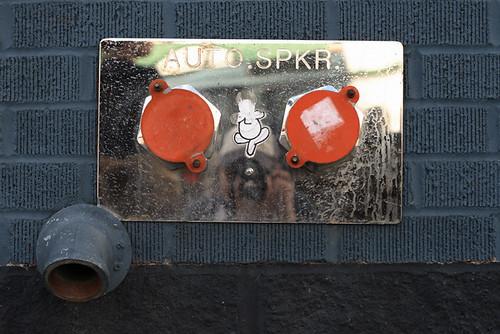 AUTO SPKR 1466