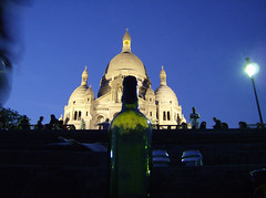 Sacre coeur (Gijlmar) Tags: paris france church bottle frankreich europa europe wine iglesia kirche frana sacrecoeur chiesa igreja bier cerveja frankrijk prizs francia glise garrafa kerk vinho francie parijs pars kostel parigi avrupa fransa koci evropa glise  pary eurooppa bierre esglsia francja    eurpa  franciaorszg  biseric  frana