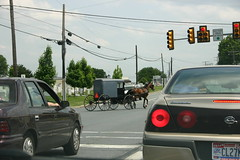 Anachronism (bulettchen333) Tags: road usa pennsylvania newengland roadtrip amish pa lancastercounty buggy 2007 amishcountry horsewaggon