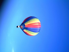 IMAG0232 (yxxxx2003) Tags: new blue red hot green air baloon ballon balloon milton keynes mk yello 2007 balon olney hotairballon yxxxx