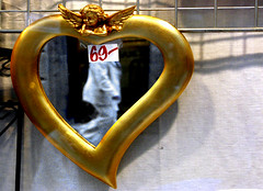 a fair price (Bim Bom) Tags: street people price heart streetlife coeur step coração
