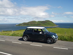 2001 Mini Cooper on Mull of Kintyre, Scotland in 2004. (Rob Lightbody) Tags: island scotland mini cooper minicooper mull kintyre campbeltown davaar