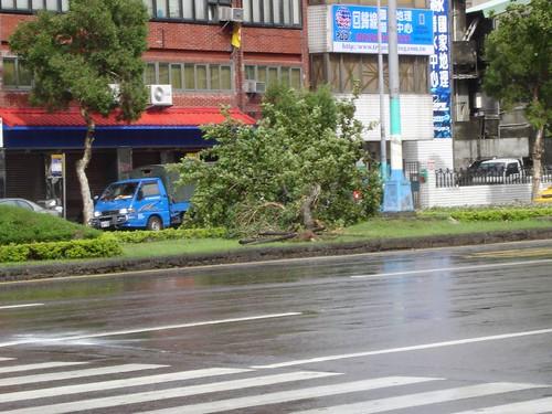 05年海棠颱風來襲的「資料畫面」