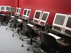 Digital Media Arts Lab (laffy4k) Tags: apple macintosh huntingtonuniversity computers communication g5 dualmonitors computerlab mca dma applecomputers digitalmediaarts merrilatcentreforthearts huntingtondma