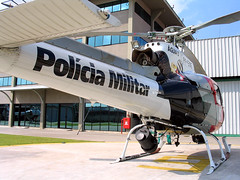 Pulia (Daniel Pascoal) Tags: public canon geotagged squirrel aviation police helicopter 350 militar pm a75 esquilo helicptero aviao helibras eurocopter as350 hb350 astar polcia polciamilitar guia guia3 canona75 ecureuil pulia geo:lat=23547376 geo:lon=46737739 helicidade danielpg