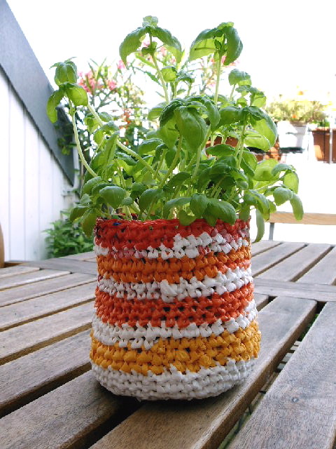 recycled crochet flowerpot/basket