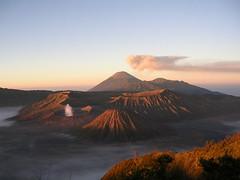 Sunrise over Tengger Massif (elbisreverri) Tags: 15fav mountain 2004 topv111 sunrise indonesia landscape dawn volcano java scenery asia southeastasia topv1111 mount coolpix volcanoes bromo semeru tengger mountbromo gunungbromo tenggermassif gunungsemeru
