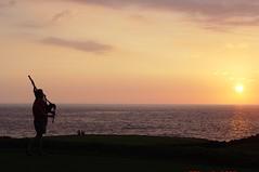 Hawaiibagfar (glorybeam) Tags: bagpiper sunset hawaii