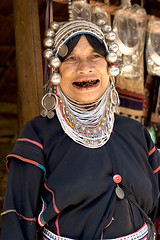 Beautiful Smile (Dale Allyn) Tags: thailand hilltribes burma ahka smile maak betelnut culture cultures itsongselection1 mirrorsofsociety itsong–mirrors–southeastasia itsong–canoneos20d wow