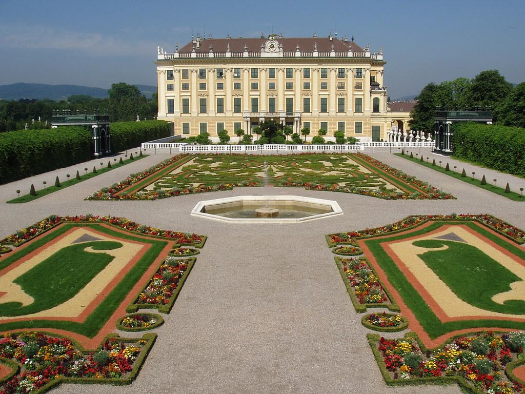 Šenbrunnas pils