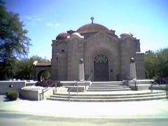 The Ornate Chapel (y entonces) Tags: minnesota cameraphone lakewoodcemetery lakewood cemetery chapel byzantine harrywildjones minneapolis charleslamb mosaic