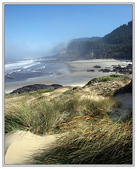 Promise of a beautiful day (Team Hymas) Tags: beach grass fog oregon sand rocks surf pacific duaneshirleenhymas fcsea