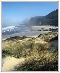 Promise of a beautiful day (Team Hymas) Tags: beach grass fog oregon sand rocks surf pacific duaneshirleenhymas fcsea