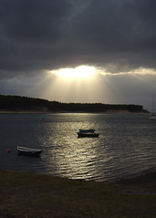 Findhorn Bay (Mac ind g) Tags: sunset summer holiday bay scotland boat top20sunrisesunset explore findhorn findhornbay culbinforest