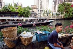 Saen Saeb Khlong - Thong Lo, Bangkok (jcbkk1956) Tags: bangkok thailand thonglo saensaeb khlong river canal taxiboat boat thai boy market baskets fuji xt1 18mmf2 worldtrekker