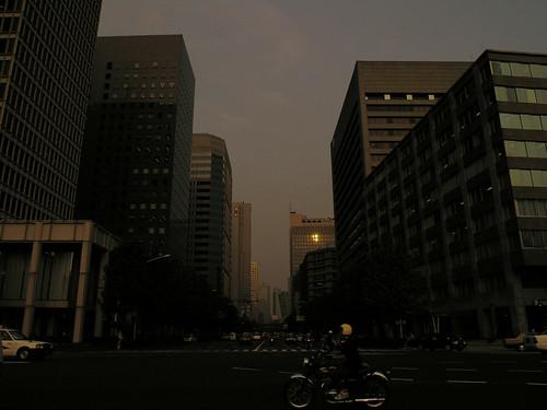 都会の夕方
