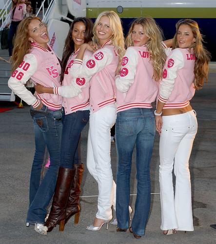 Victoria's Secret Angels 2006 by nicolleteramirez.