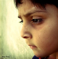 Think Tank (Fiaz Tariq) Tags: pose alone child sad serious thinking kidd closup lahore tariq thinktank peopleschoice usama beuaty fiaz