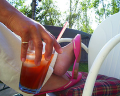 Day 111 (lrayholly) Tags: relax friday sweettea day111 pinkshoes ahhhhhhh 365days southernlife futab feetuptakeabreak lrayholly sippingsweetteaonthepatio