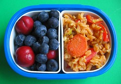 Kimchi fried rice snack for preschooler (Biggie*) Tags: food kids children lunch bacon kid cherries toddler child rice box bento carrots kimchi friedrice blueberries bellpepper packedlunch boxlunch bentobox  schoollunch biggie  brownbag preschooler lunchinabox  glutenfree  milkfree redbellpepper  sacklunch lactosefree   boxedlunch bentoblog brownbaglunch chogochujang         ssbiggie lunchinaboxnet twittermoms