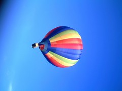 IMAG0231 (yxxxx2003) Tags: new blue red hot green air baloon ballon balloon milton keynes mk yello 2007 balon olney hotairballon yxxxx
