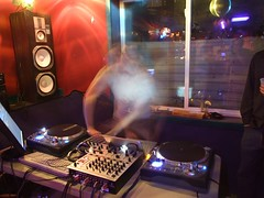 Citrus ghostmixing (In dust we trust) Tags: longexposure party dj finepix turntables sound fujifilm s6000fd euqipment