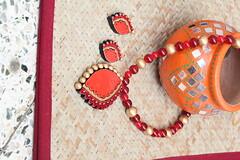 IMG_2830 (Gokul Chakrapani) Tags: arts earing putta