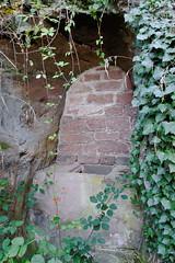 "Puits ou ""trône"" ?  7/7 (Ombre&Lumiere) Tags: châteauduvieuxwindsteinbasrhin vosgesdunord parcnaturelrégionaldesvosgesdunord 67 vestiges ruines rochers patrimoine"