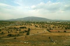 teotihuacan plain (Xuan Che) Tags: travel win