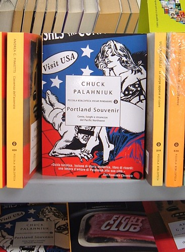 Chuck Palahniuk's book on Portland...in Italian!