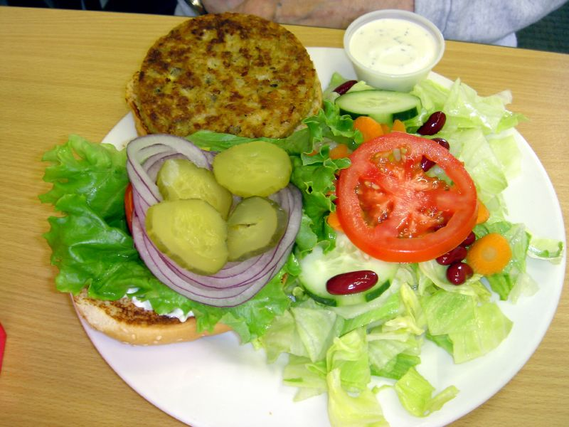 Veggie Burger & Green salad