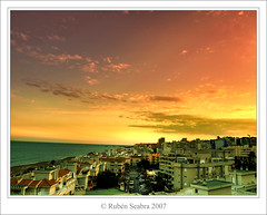 Atardecer en Torremolinos (*atrium09) Tags: travel sunset pordosol sky espaa eye topf25 clouds atardecer spain topf75 bravo searchthebest olympus cielo nubes malaga ocaso topv50 hdr torremolinos e330 photomatix supershot magicdonkey outstandingshots atrium09 mywinners abigfave outstandingshotshighlight shieldofexcellence anawesomeshot 200750plusfaves superbmasterpiece goldenphotographer goldenphotographer diamondclassphotographer flickrdiamond rubenseabra thegoldendreams