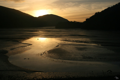 Incoming tide - Cable Bay
