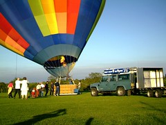 IMAG0214 (yxxxx2003) Tags: new blue red hot green air baloon ballon balloon milton keynes mk yello 2007 balon olney hotairballon yxxxx