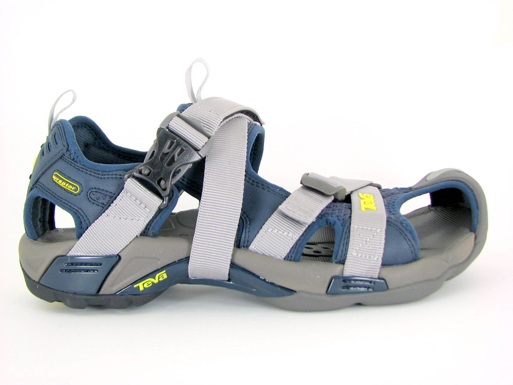 a20e5cc1a Outside View of Sandals (lswon) Tags  sport sandal lightbox teva karnali  canons3is wraptor