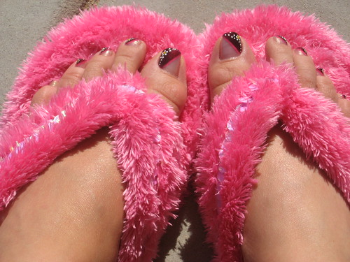 feet toes pedicure fuzzyslippers slippers pinkalicious hotpinkfuzzyslippers