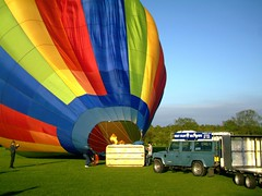 IMAG0210 (yxxxx2003) Tags: new blue red hot green air baloon ballon balloon milton keynes mk yello 2007 balon olney hotairballon yxxxx