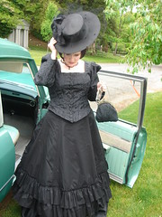 Getting out of the car at Wade Chapel - close up of the black Truly Victorian wedding dress top